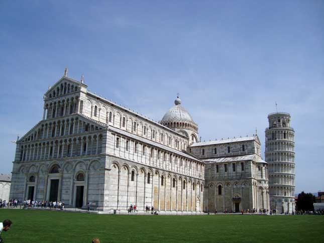 Capitolio-e-Torre-de-Pisa