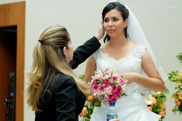 Rose-Quadros-Arrumando-Noiva
