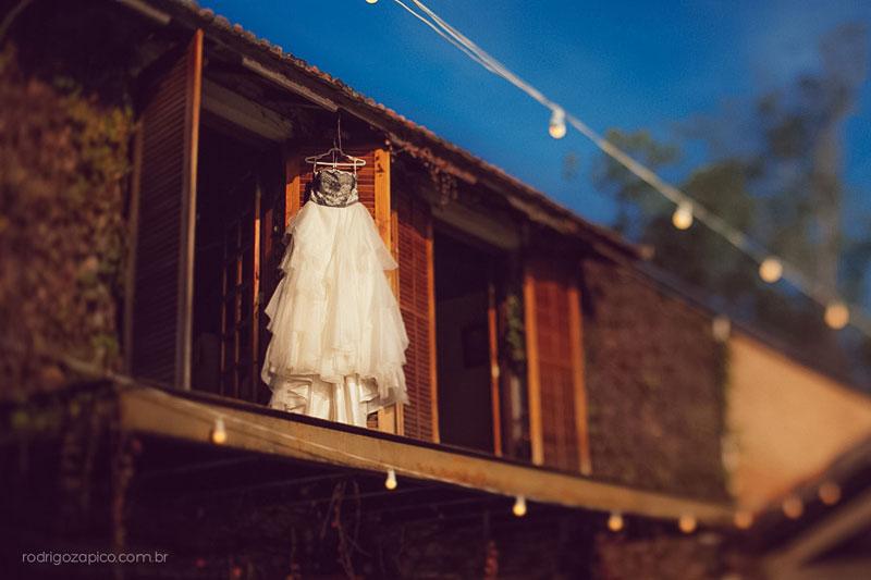 Vestido de Noiva com renda preta