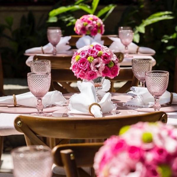 mesa-posta-taca-bico-de-jaca-rosa