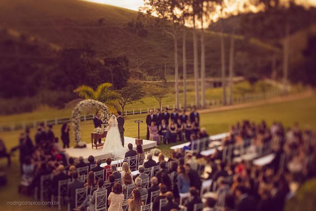 Vista aérea de casamento no campo